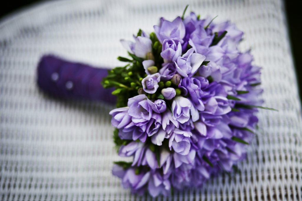 Magnifique fleur violette des artisans fleuristes Sessile