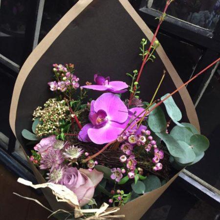 votre artisan fleuriste vous propose le bouquet : Bouquet violet