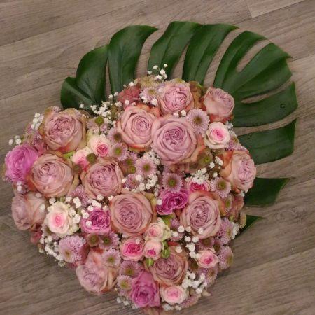 votre artisan fleuriste vous propose le bouquet : Coeur De Roses