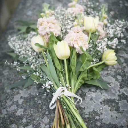 votre artisan fleuriste vous propose le bouquet : Bouquet Du Dernier Hommage