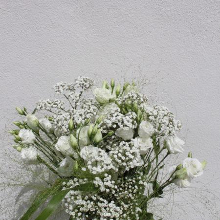 votre artisan fleuriste vous propose le bouquet : Lisinathus mania