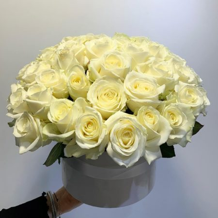 votre artisan fleuriste vous propose le bouquet : Flower Box Roses