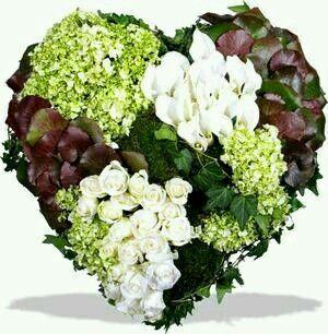 votre artisan fleuriste vous propose le bouquet : Deuil: Coeur