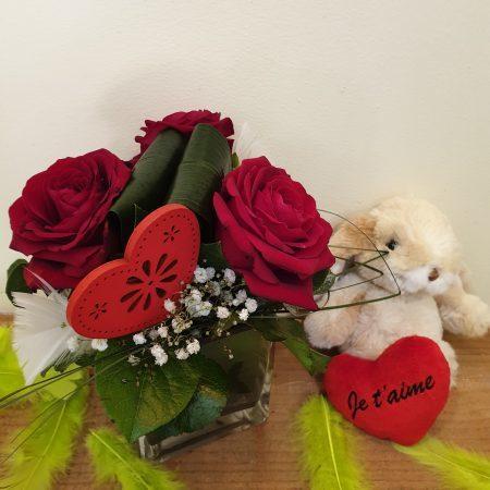 votre artisan fleuriste vous propose le bouquet : Cupidon + Peluche