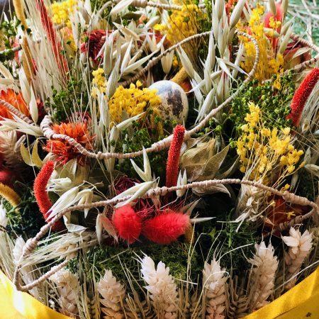 votre artisan fleuriste vous propose le bouquet : Centre de table en fleurs séchées