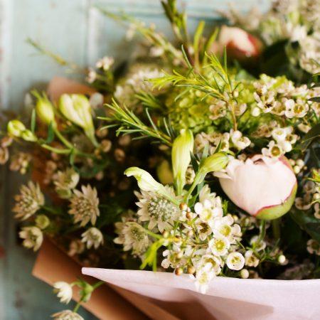 votre artisan fleuriste vous propose le bouquet : Meredith