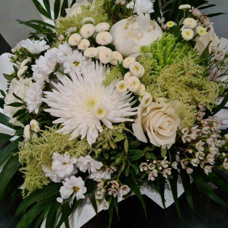 votre artisan fleuriste vous propose le bouquet : Bouquet blanc bulle d'eau