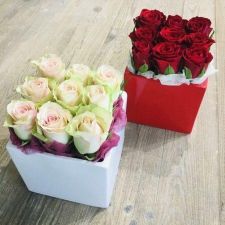 votre artisan fleuriste vous propose le bouquet : Carré de Roses