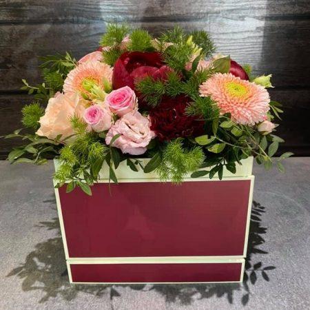 votre artisan fleuriste vous propose le bouquet : THE BOX by Oxygen
