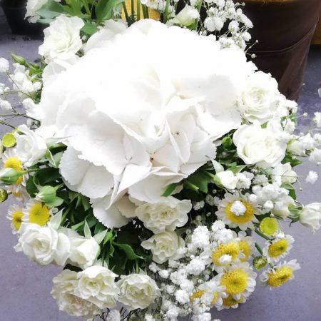 votre artisan fleuriste vous propose le bouquet : Bouquet blanc