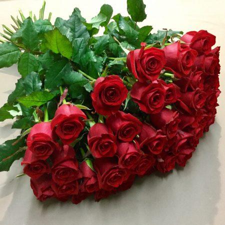 votre artisan fleuriste vous propose le bouquet : Roses de La Malle Fleurie