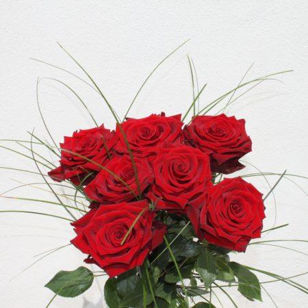 votre artisan fleuriste vous propose le bouquet : Roses de Studio Tendances