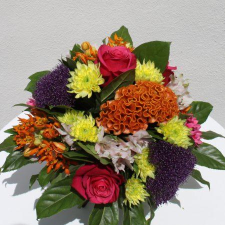 votre artisan fleuriste vous propose le bouquet : Bouquet rond multicolore