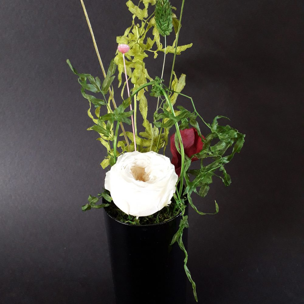 composition florale / vase en verre / a poser