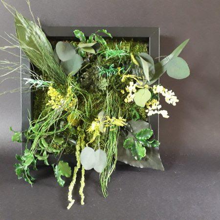 votre artisan fleuriste vous propose le bouquet : composition tableau / a suspendre