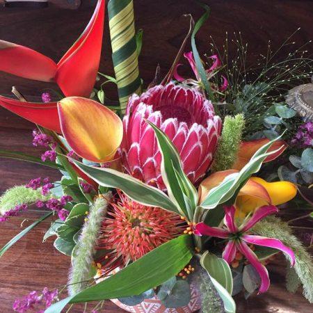 votre artisan fleuriste vous propose le bouquet : Eclat Des Sens