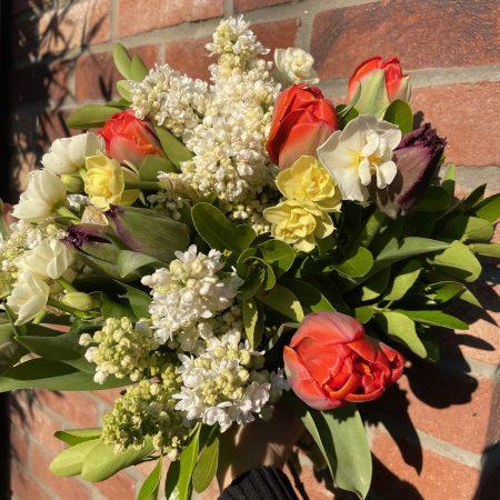 votre artisan fleuriste vous propose le bouquet : Lilas