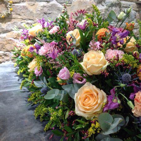 votre artisan fleuriste vous propose le bouquet : Composition deuil