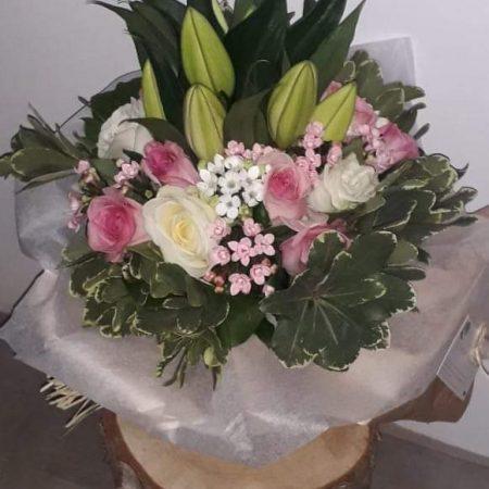 votre artisan fleuriste vous propose le bouquet : Bouquet de lys