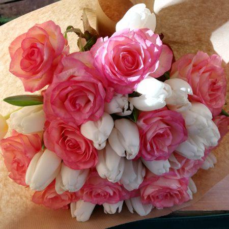 votre artisan fleuriste vous propose le bouquet : Composition d'artiste
