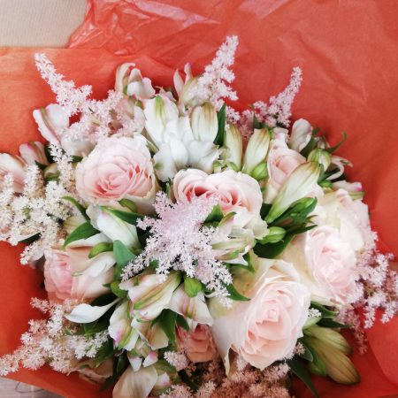 votre artisan fleuriste vous propose le bouquet : Simple One