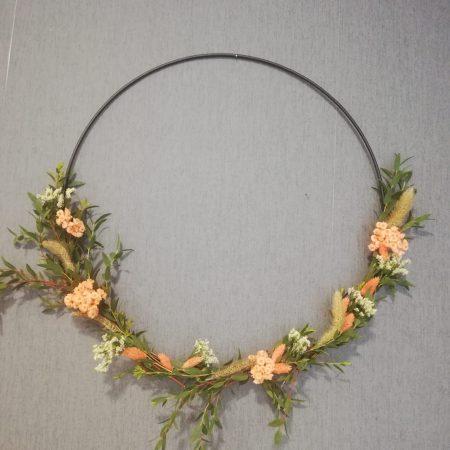 votre artisan fleuriste vous propose le bouquet : Anneau de fleurs séchées