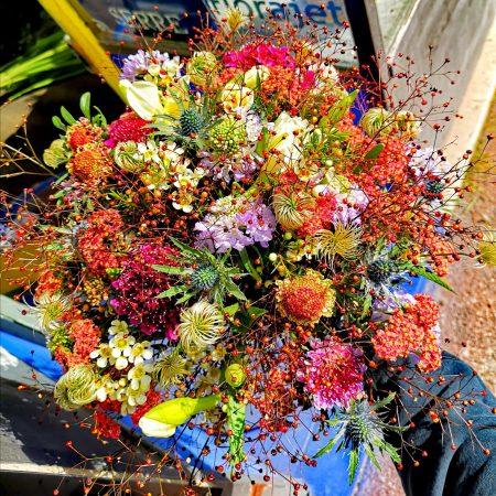 votre artisan fleuriste vous propose le bouquet : Bouquet De Fleurs Fraîches