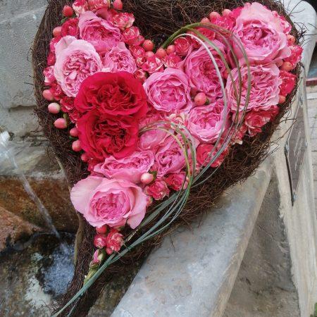 votre artisan fleuriste vous propose le bouquet : Cœur D'Amour
