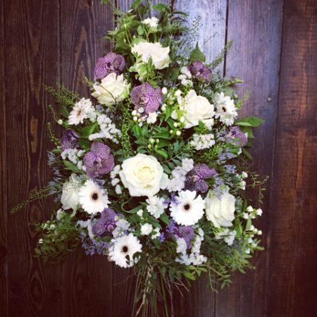 votre artisan fleuriste vous propose le bouquet : Gerbe de deuil