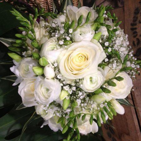 votre artisan fleuriste vous propose le bouquet : Bouquet De Mariée Blanc Pur