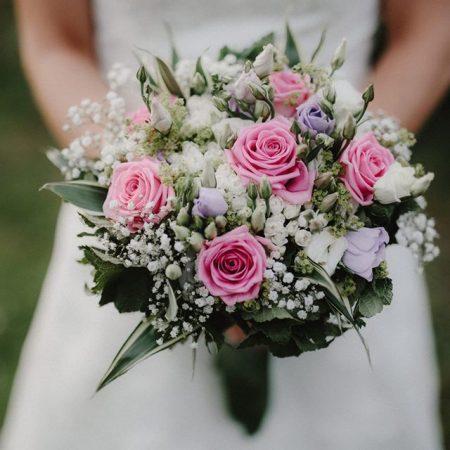 votre artisan fleuriste vous propose le bouquet : Bouquet Rond Ton Rouge