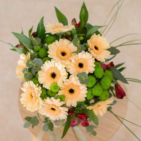 votre artisan fleuriste vous propose le bouquet : Lumière du cœur