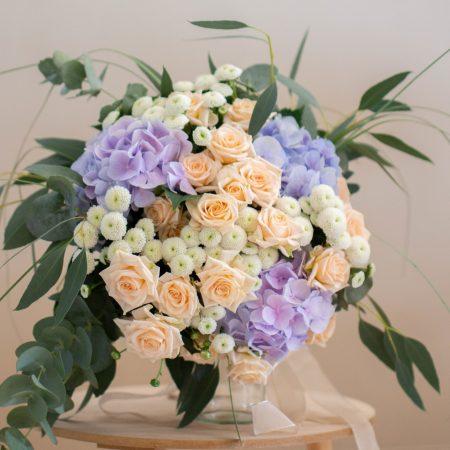votre artisan fleuriste vous propose le bouquet : Bouquet de Créateur - Violet Parme & touche rose et beige