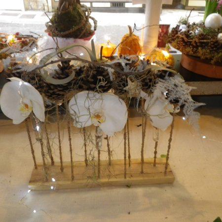 votre artisan fleuriste vous propose le bouquet : Centre De Table Festif