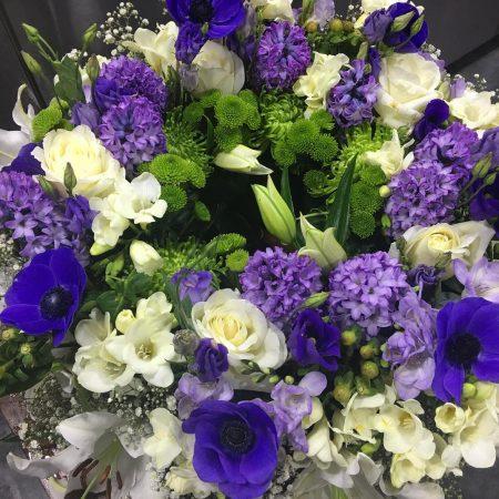 votre artisan fleuriste vous propose le bouquet : Bouquet bleu