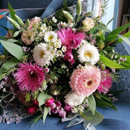 votre artisan fleuriste vous propose le bouquet : bouquet rose et blanc