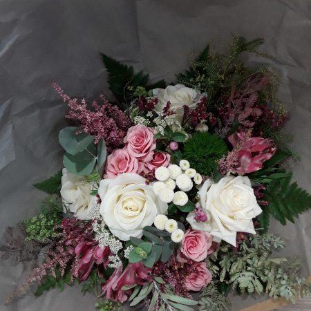 votre artisan fleuriste vous propose le bouquet : Bouquet Groseille