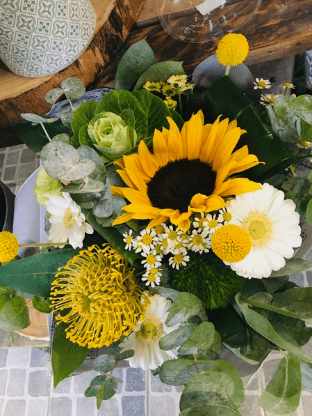 Bouquet du fleuriste tons jaunes