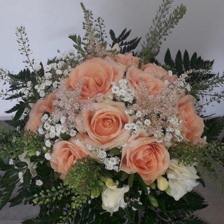 votre artisan fleuriste vous propose le bouquet : Bouquet Roses