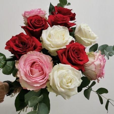 votre artisan fleuriste vous propose le bouquet : Bouquet De Roses Gros Bouton À L'Unité