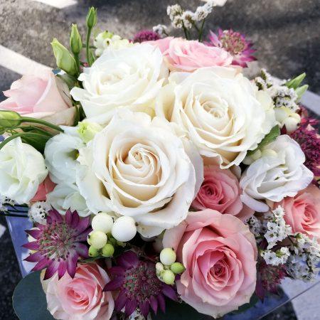 votre artisan fleuriste vous propose le bouquet : le Carré Roses