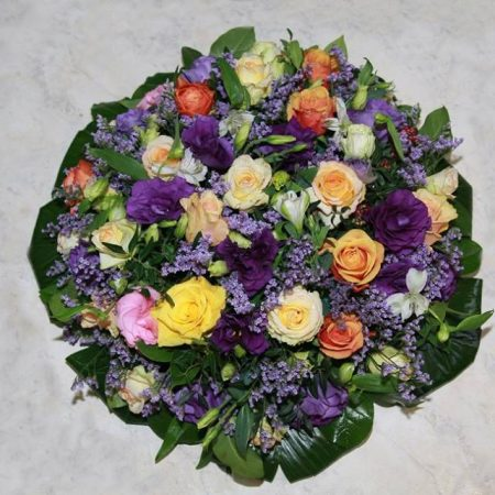 votre artisan fleuriste vous propose le bouquet : Coussin Deuil