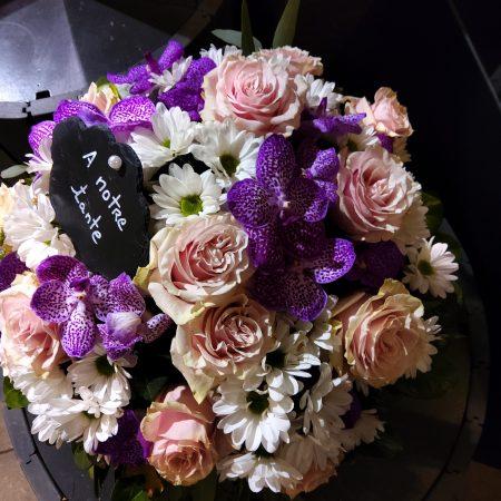 votre artisan fleuriste vous propose le bouquet : Deuil Coussin