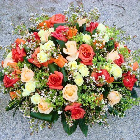 votre artisan fleuriste vous propose le bouquet : Coussin Prestige