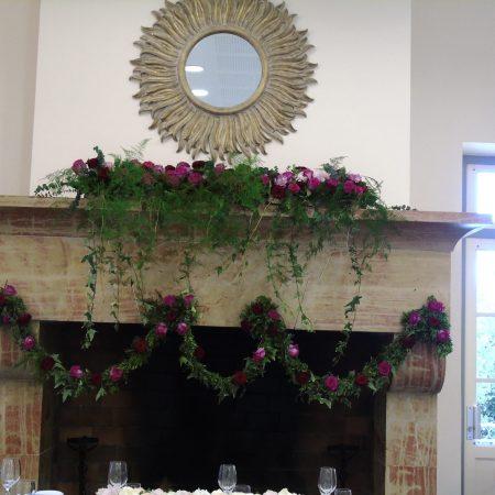 votre artisan fleuriste vous propose le bouquet : Décoration Mariage Cheminée