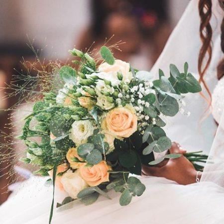 votre artisan fleuriste vous propose le bouquet : Bouquet De Mariée Poudre