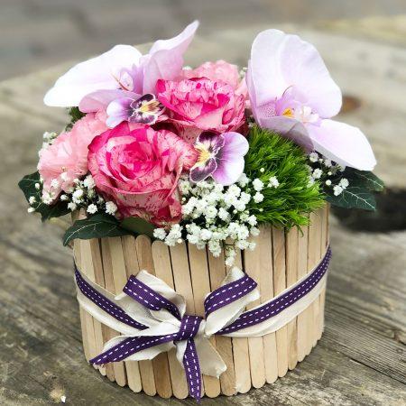 votre artisan fleuriste vous propose le bouquet : Charlotte Aux Fleurs