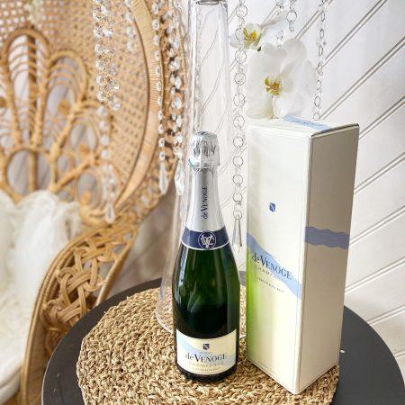 votre artisan fleuriste vous propose le bouquet : Champagne De Venoge - Sélection Du Caviste