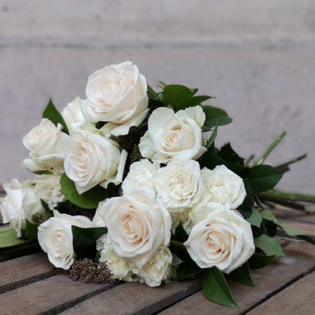 votre artisan fleuriste vous propose le bouquet : La Délicate Intention