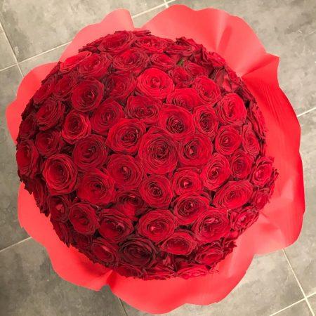 votre artisan fleuriste vous propose le bouquet : Bouquet De Taille Non-Conventionnelle
